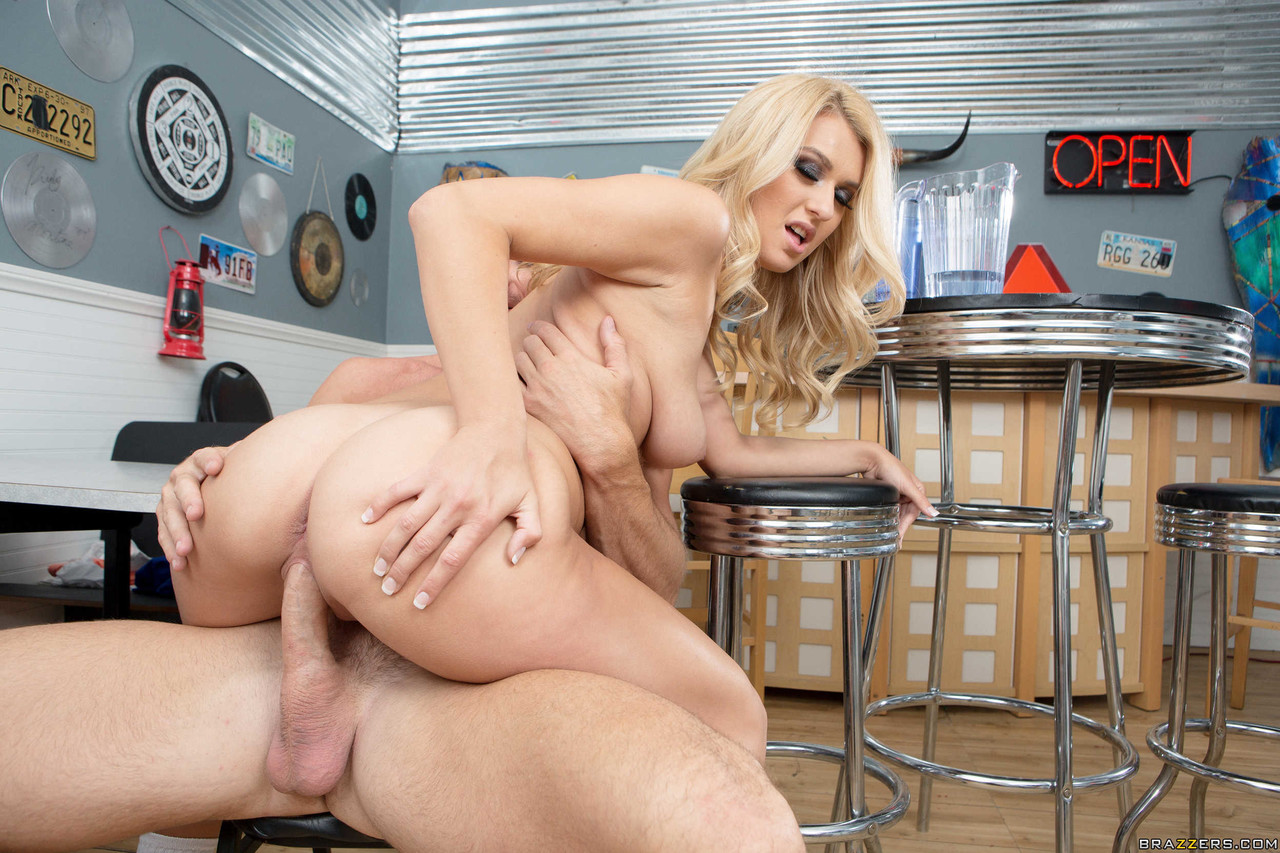Amazing Natalia Starr gets her pussy eaten before being fucked by the boss